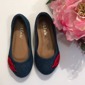 Link Shoes - Link jean shoes with red lips on toe